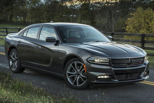 2015 Chrysler 300 vs. 2015 Dodge Charger: What's the Difference? featured image large thumb8