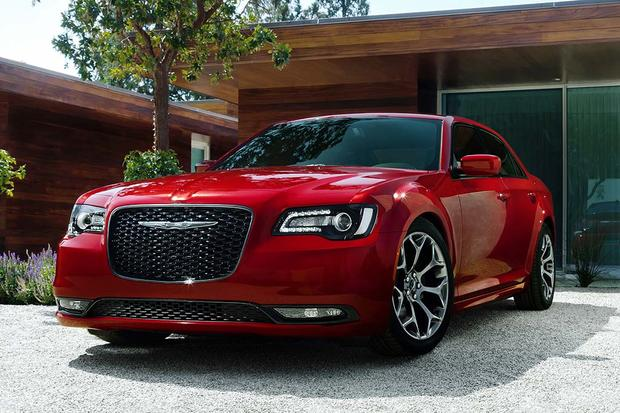 2017 Chrysler 300: New Car Review featured image large thumb1