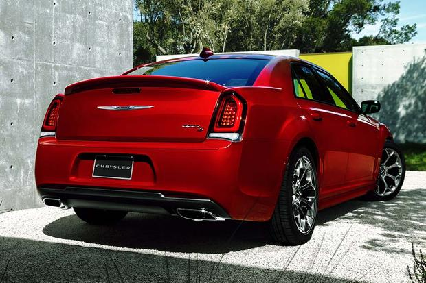 2017 Chrysler 300: New Car Review featured image large thumb5