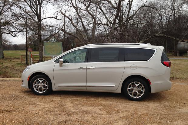2017 Chrysler Pacifica: Road Trip Home for Christmas featured image large thumb4