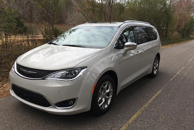 2017 Chrysler Pacifica: Very Versatile featured image large thumb3