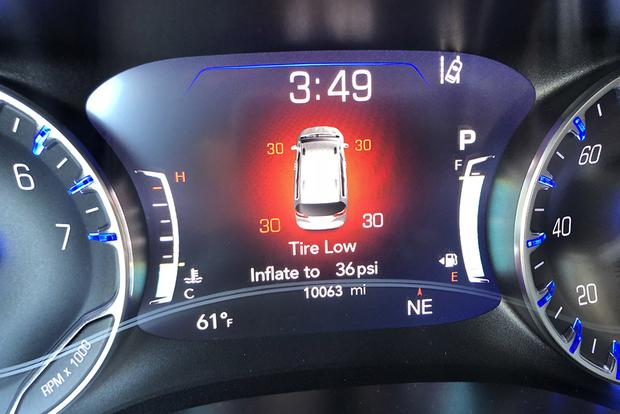 2017 Chrysler Pacifica: Under Pressure featured image large thumb1