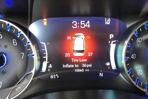 2017 Chrysler Pacifica: Under Pressure featured image large thumb2