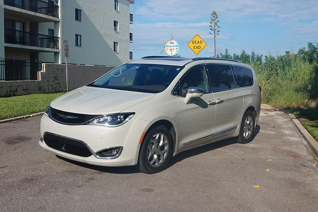 2017 Chrysler Pacifica: Road Trip! featured image large thumb0