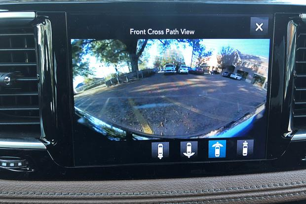 2017 Chrysler Pacifica: Surround View featured image large thumb2