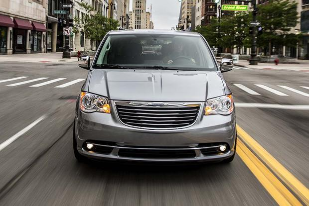 2016 Chrysler Town Country New Car Review Autotrader