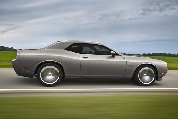 2012 Dodge Challenger: New Car Review featured image large thumb6