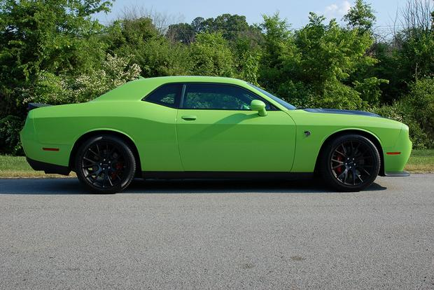 2015 Dodge Challenger SRT Hellcat: Real World Review featured image large thumb2