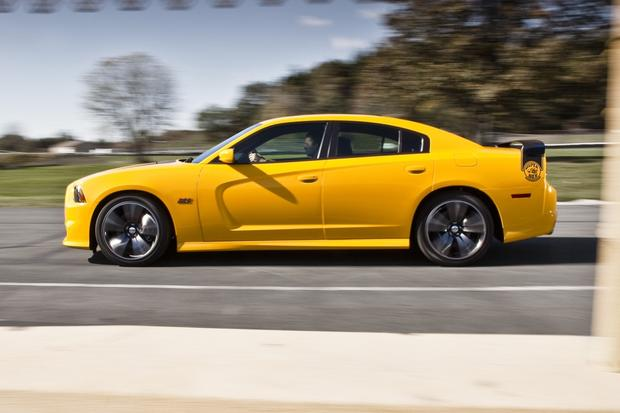 2012 Dodge Charger: New Car Review featured image large thumb32