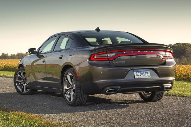 2014 vs. 2015 Dodge Charger: What's the Difference? featured image large thumb6