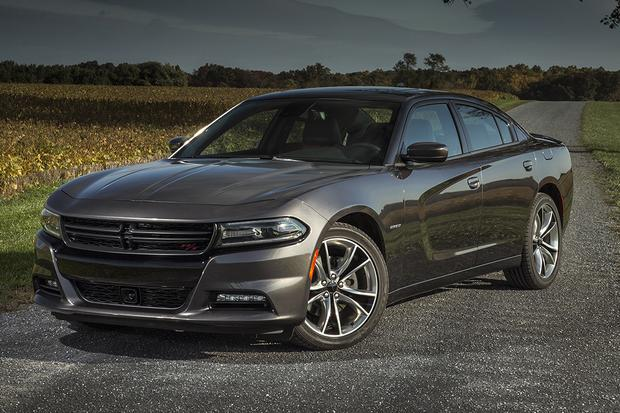 2014 vs. 2015 Dodge Charger: What's the Difference? featured image large thumb4