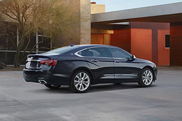 2015 Dodge Charger Vs 2015 Chevrolet Impala Which Is