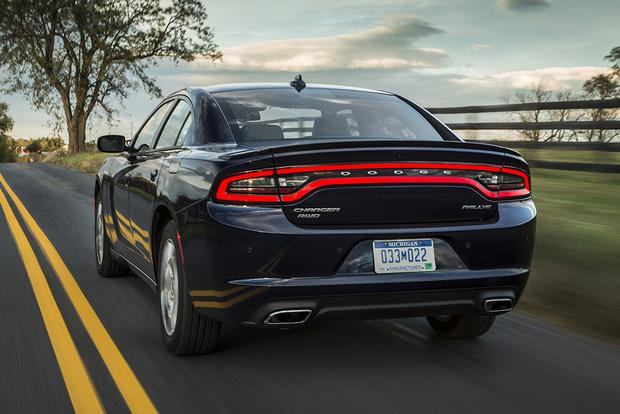2018 Dodge Charger: New Car Review featured image large thumb3