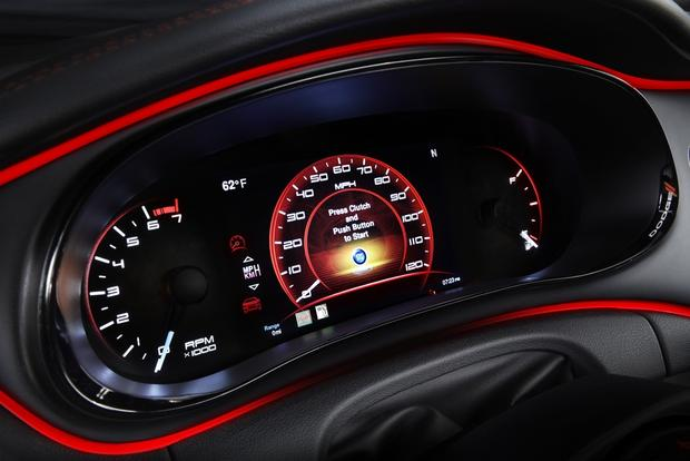 2013 Dodge Dart: Aiming for Better Gas Mileage featured image large thumb0