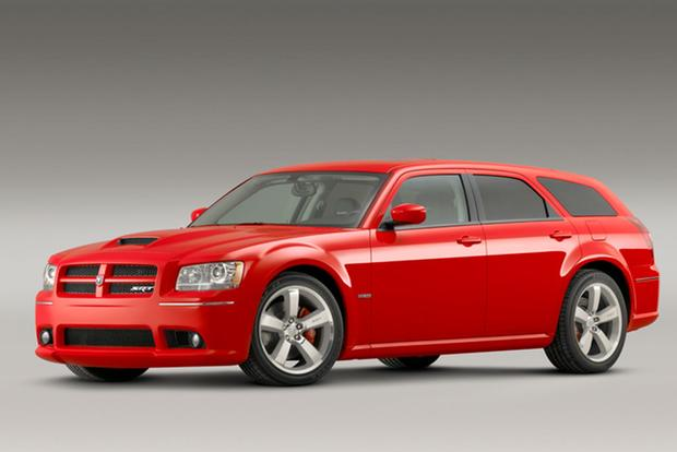 Modern-Day Classic: 2006-2008 Dodge Magnum SRT8 featured image large thumb1