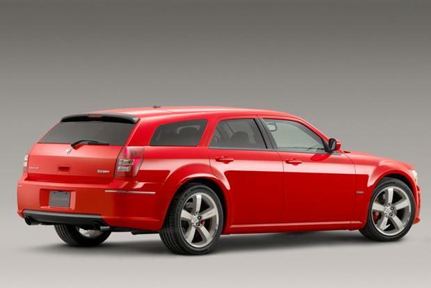 Modern-Day Classic: 2006-2008 Dodge Magnum SRT8 featured image large thumb2