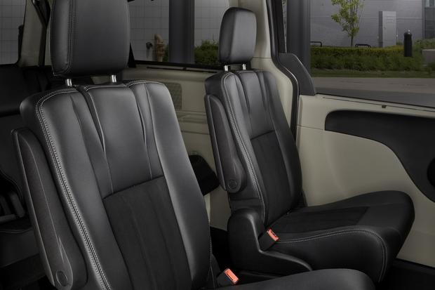 2015 Dodge Grand Caravan: New Car Review featured image large thumb5