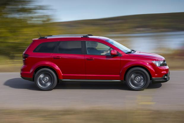 2017 Dodge Journey: New Car Review featured image large thumb3