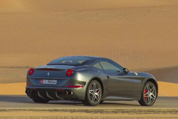 2017 Ferrari California T: Overview featured image large thumb2