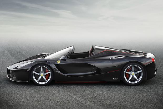 2017 Ferrari LaFerrari Aperta: Overview featured image large thumb4