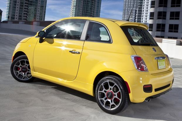 2015 FIAT 500: New Car Review featured image large thumb1