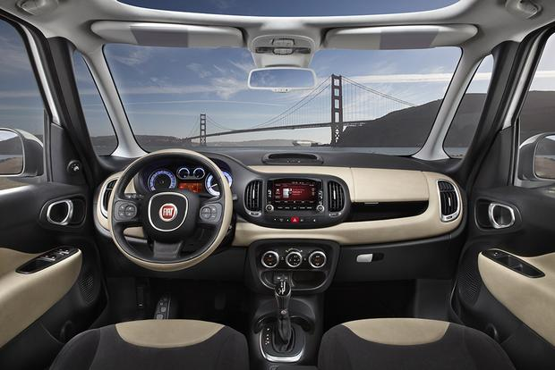 2014 FIAT 500L vs. 2016 FIAT 500X: What's the Difference? featured image large thumb1