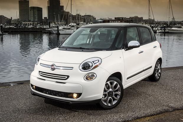 2014 FIAT 500L vs. 2016 FIAT 500X: What's the Difference? featured image large thumb3