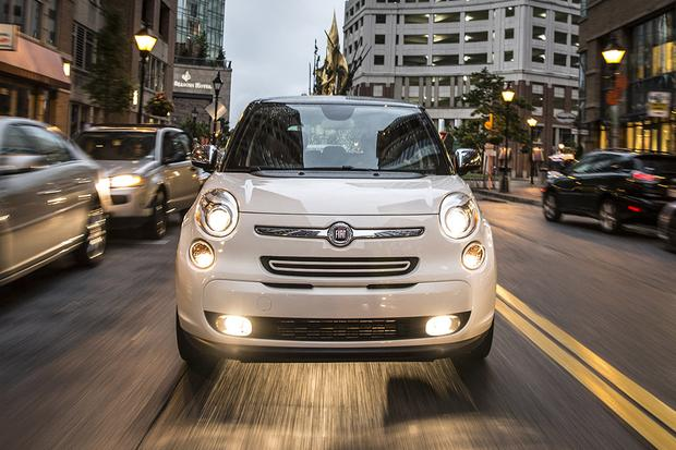 2014 FIAT 500L vs. 2016 FIAT 500X: What's the Difference? featured image large thumb7