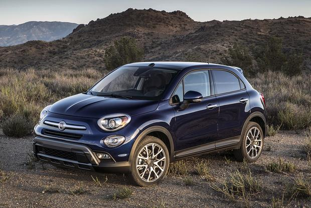 2014 FIAT 500L vs. 2016 FIAT 500X: What's the Difference? featured image large thumb4