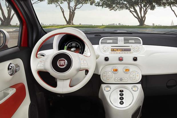 2016 FIAT 500e: New Car Review featured image large thumb1