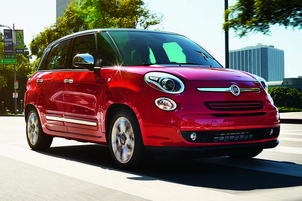 2016 FIAT 500L: New Car Review featured image large thumb3