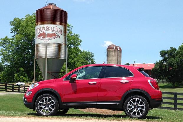 2016 FIAT 500X: Plenty of Space featured image large thumb9