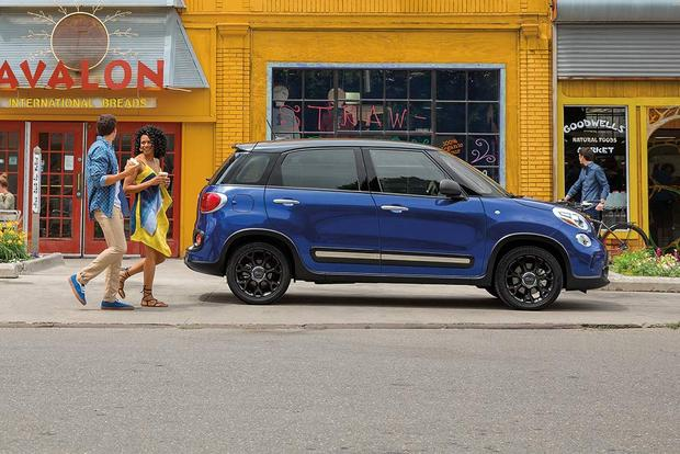 2017 FIAT 500L: New Car Review featured image large thumb2