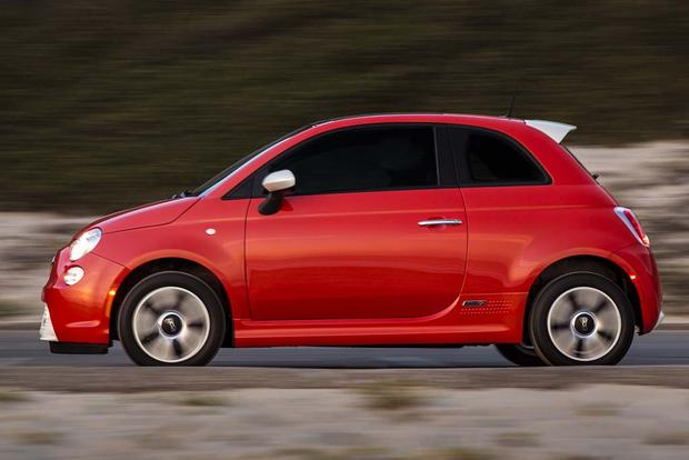 2017 FIAT 500e: New Car Review featured image large thumb1