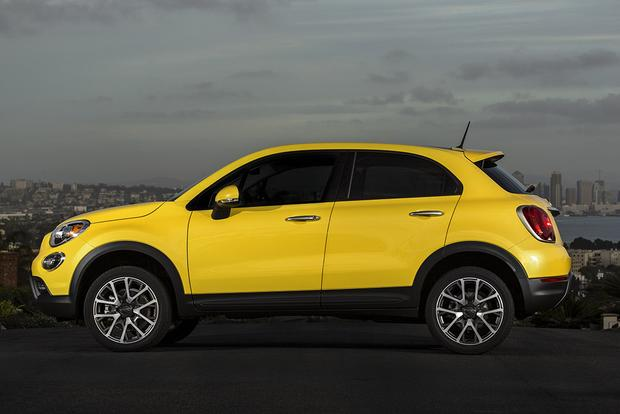 2017 FIAT 500X: New Car Review featured image large thumb1
