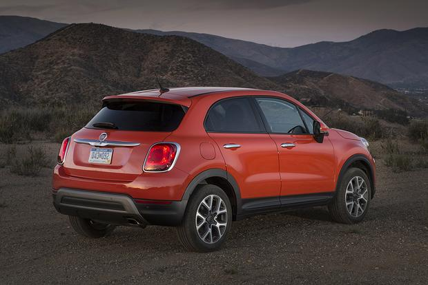 2017 FIAT 500X: New Car Review featured image large thumb2