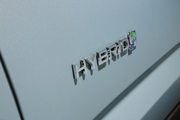 2013 Ford C-MAX Hybrid: New Car Review featured image large thumb7