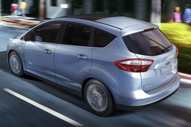 2015 Ford C-MAX Energi: New Car Review featured image large thumb1