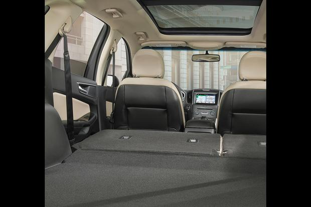 2017 Ford Edge: New Car Review featured image large thumb3