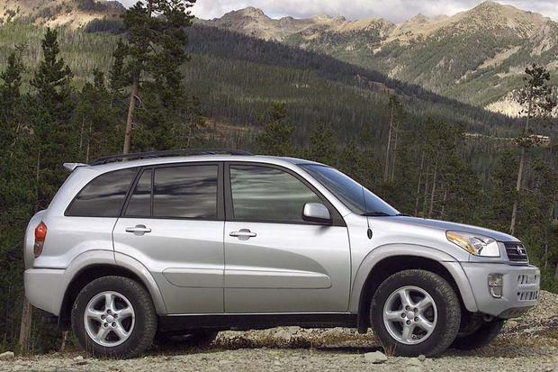 2001-2007 Ford Escape vs. 2001-2005 Toyota RAV4: Which Is ...