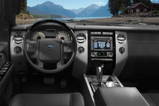 2013 Ford Expedition: New Car Review featured image large thumb2