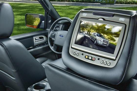 2013 Ford Expedition: New Car Review featured image large thumb3