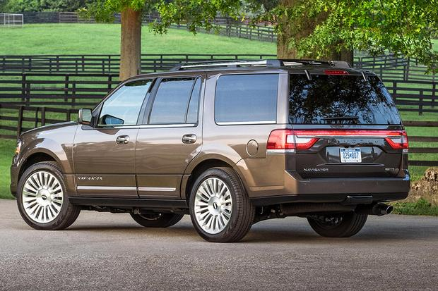 2015 Ford Expedition vs. 2015 Lincoln Navigator: What's the Difference? featured image large thumb6