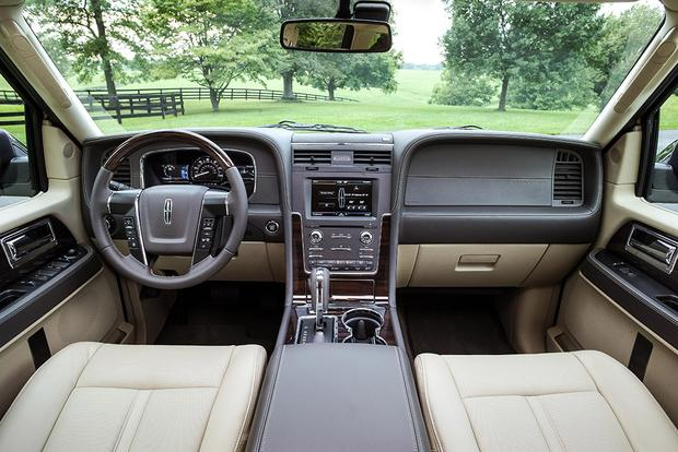 2015 Ford Expedition vs. 2015 Lincoln Navigator: What's the Difference? featured image large thumb2