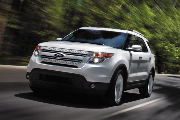 Edge Vs Explorer >> 2014 Ford Explorer Vs 2014 Ford Edge What S The Difference