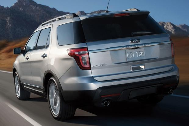 2014 Ford Explorer vs. 2014 Chevrolet Traverse: Which Is Better? featured image large thumb2