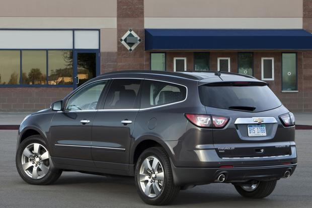 2014 Ford Explorer vs. 2014 Chevrolet Traverse: Which Is Better? featured image large thumb3
