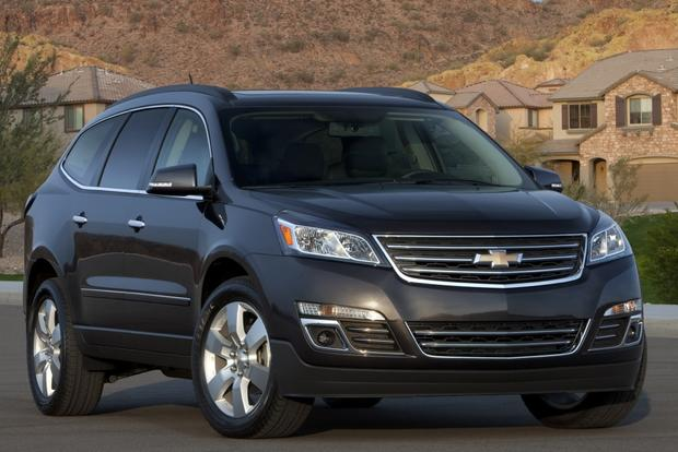 2014 Ford Explorer vs. 2014 Chevrolet Traverse: Which Is Better? featured image large thumb5