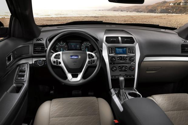 2014 Ford Explorer vs. 2014 Chevrolet Traverse: Which Is Better? featured image large thumb8