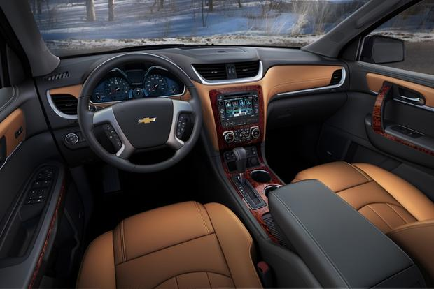 2014 Ford Explorer vs. 2014 Chevrolet Traverse: Which Is Better? featured image large thumb9